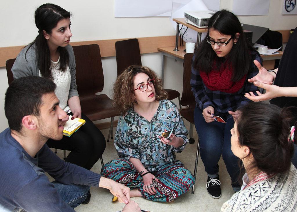 Jeunes citoyens d'Arménie. La formation commune des animateurs des clubs et la présentation des badges d'apprentissage