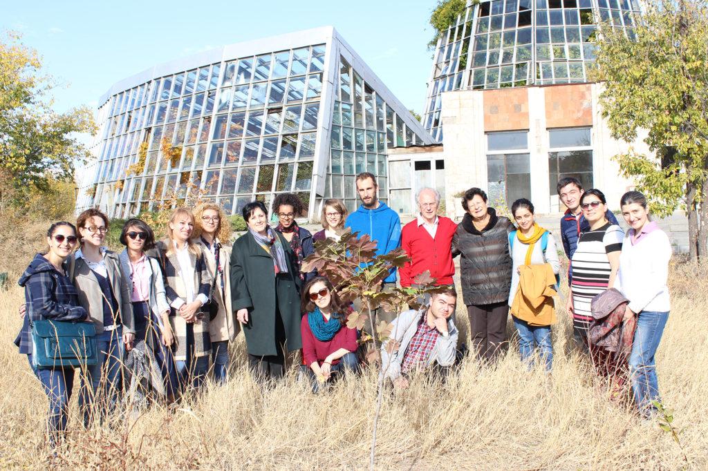 Plantation d'arbres dédiée aux membres du Comité et du Conseil d'administration de KASA